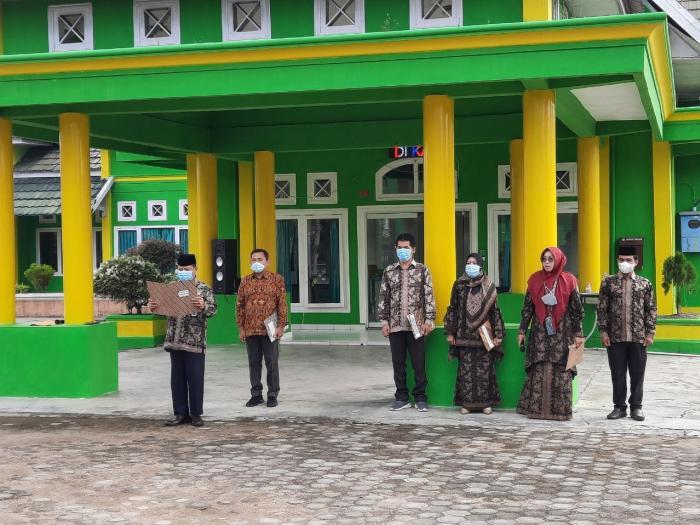 Menindaklanjuti Instruksi Menteri Agama, Kemenag Batang Hari Melaksanakan Apel Pagi